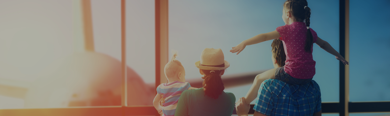 header-airport-family-travel-vacation