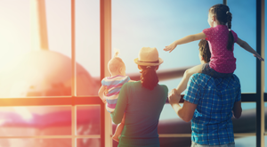 teaser-airport-family-travel-vacation