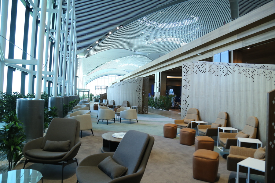 The spacious iGA Lounge, Istanbul has a number of different seating areas to suit all travelers