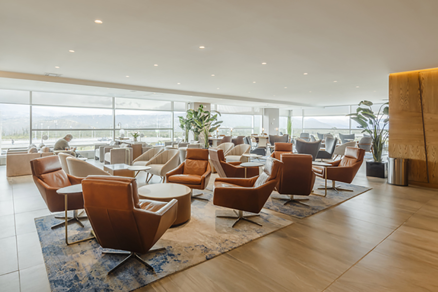 The floor to ceiling windows bring natural light and warmth into the lounge, and provide an unrivalled view of Quito