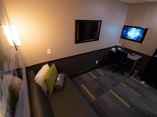 Minute Suites, Charlotte NC Douglas Intl, USA
