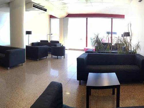 Faro Lounge, Faro International