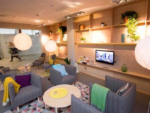 BRA Lounge