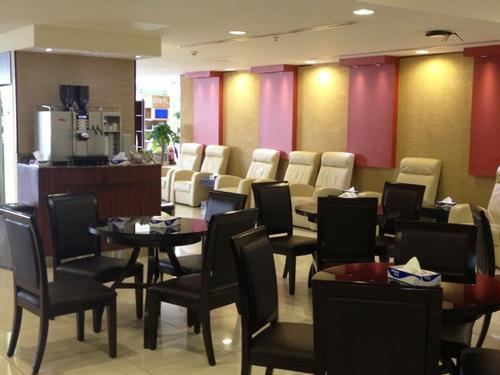 First Class Lounge - Jeddah King A Aziz International - Saudi Arabia