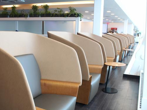 Wingtips Lounge