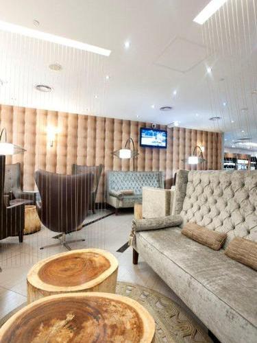 Mashonzha Lounge, Johannesburg O.R. Tambo Intl