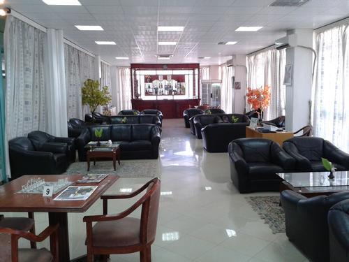 Tanzanite Lounge