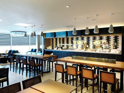 Plaza Premium Lounge, London Heathrow