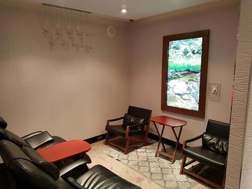 Lounge 19
