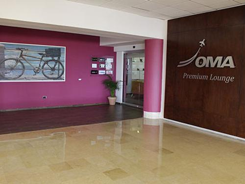 Oma Premier Lounge, Mazatlan Rafael Buelna International