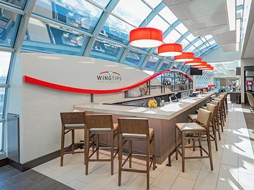 Wingtips Lounge St. Louis