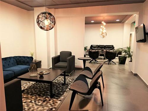 Andes Salon VIP