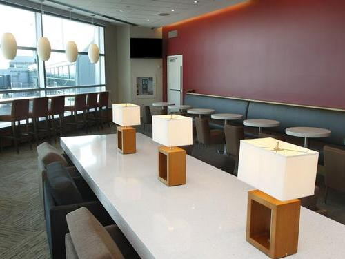 Plaza Premium Lounge (Domestic), Toronto Lester B Pearson International Airport